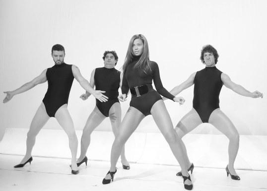 guys-in-heels-snl-social